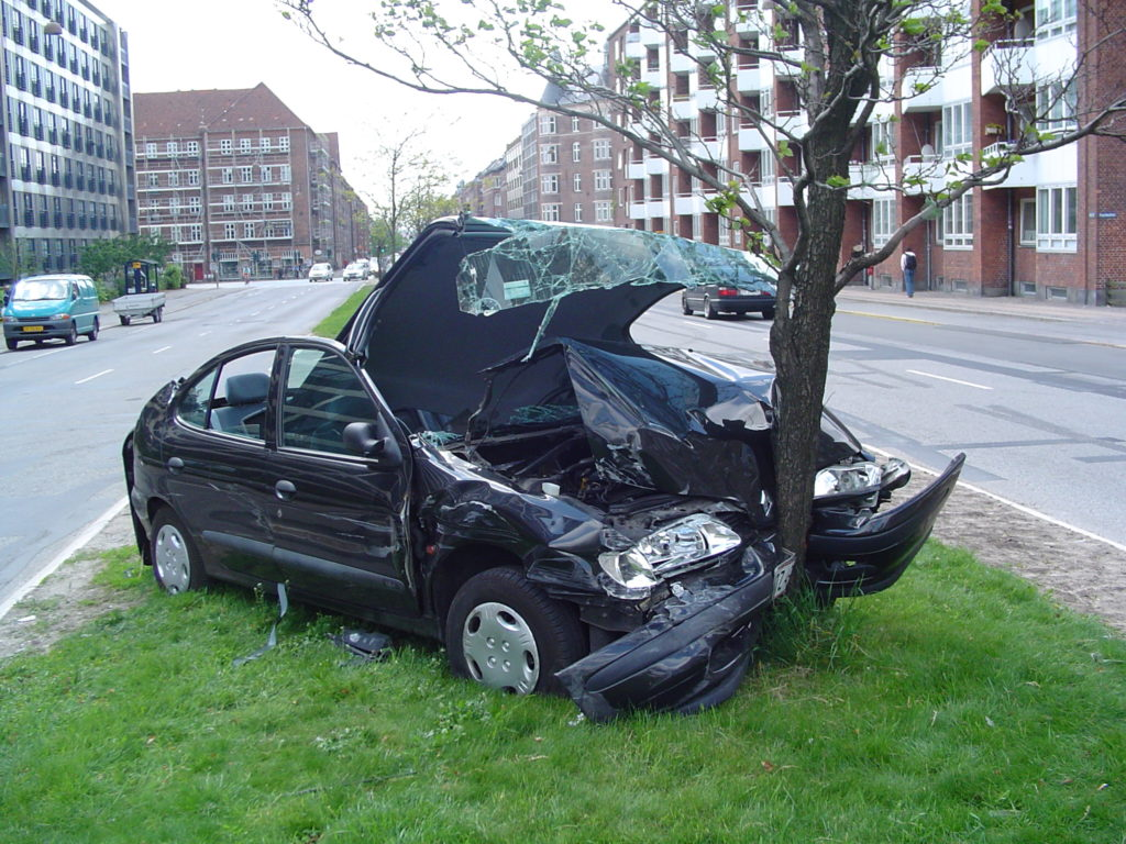 Have You Crashed Your Car on the Road? Here Are 5 Steps You Should Not Hesitate to Take