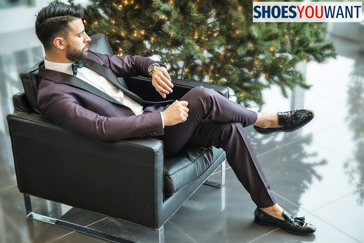Loafers: Footwear essentials for men this summer!